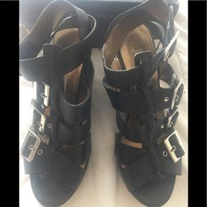 Cynthia Vincent Harper Wedge Sandals Size 7